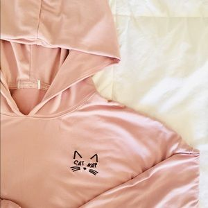 Cat Nap Graphic Cropped Hoodie